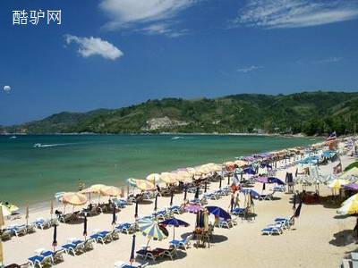 芭东海滩距普吉镇15公里