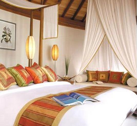 安娜塔拉温泉度假村位于著名的旅游观光区——南马累环礁,可让您的旅程变得更加舒适和便捷。 酒店内设施齐全,可为住客提供舒适的住宿条件。酒店内设施繁多,旅游服务, 餐厅, 美发店, 洗衣服务/干洗, 酒店/机场接送等都已配备。每间客房内都设有宽带上网(免费), 阳台/露台, 茶与咖啡冲泡设备, 电影点播服务, 独立淋浴间和浴缸。在享受客房内的舒适之余,住客还可尽情使用酒店内的休闲设施,其中包括水上运动(机动项目), 水上运动项目(非机动项目), 儿童娱乐室, 桑拿, 私人海滩等。不论