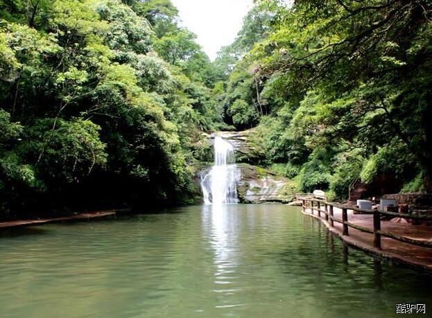 四川主要景点介绍 四川碧峰峡旅游景点介绍       碧峰峡位于雅安市